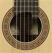 Traditional Classical Guitar Modelo Laura